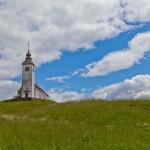 Cerkev na vrhu Križne Gore